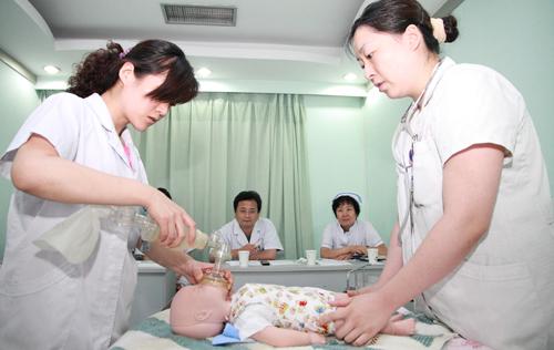 济南市中心医院举办 新生儿窒息复苏 技术 比赛