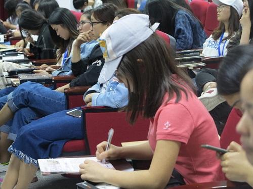 健康 教育 青岛红房子健康宣讲走进青岛求实学院受好评